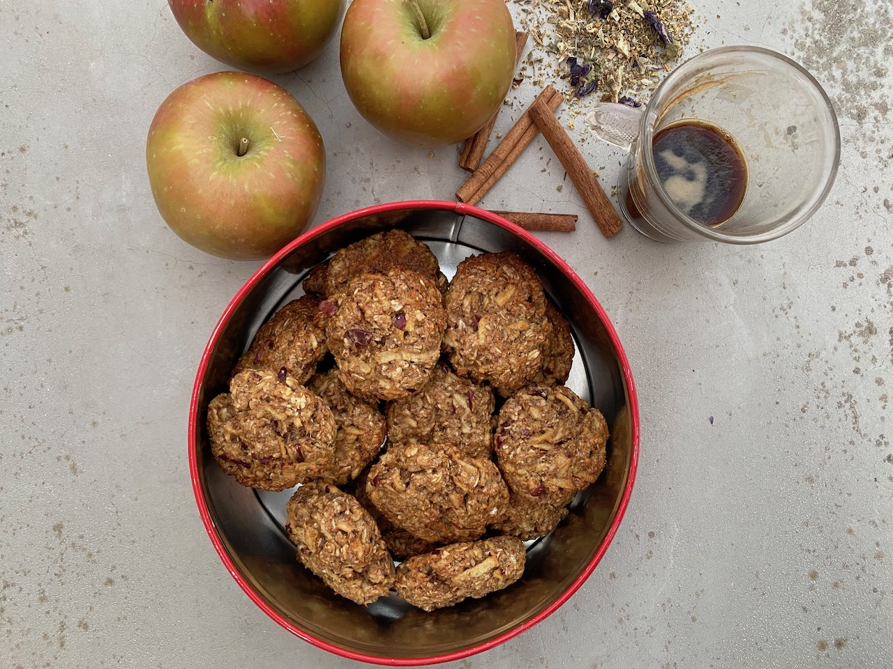 υγιεινα΄μπισκότα μήλου κανέλας