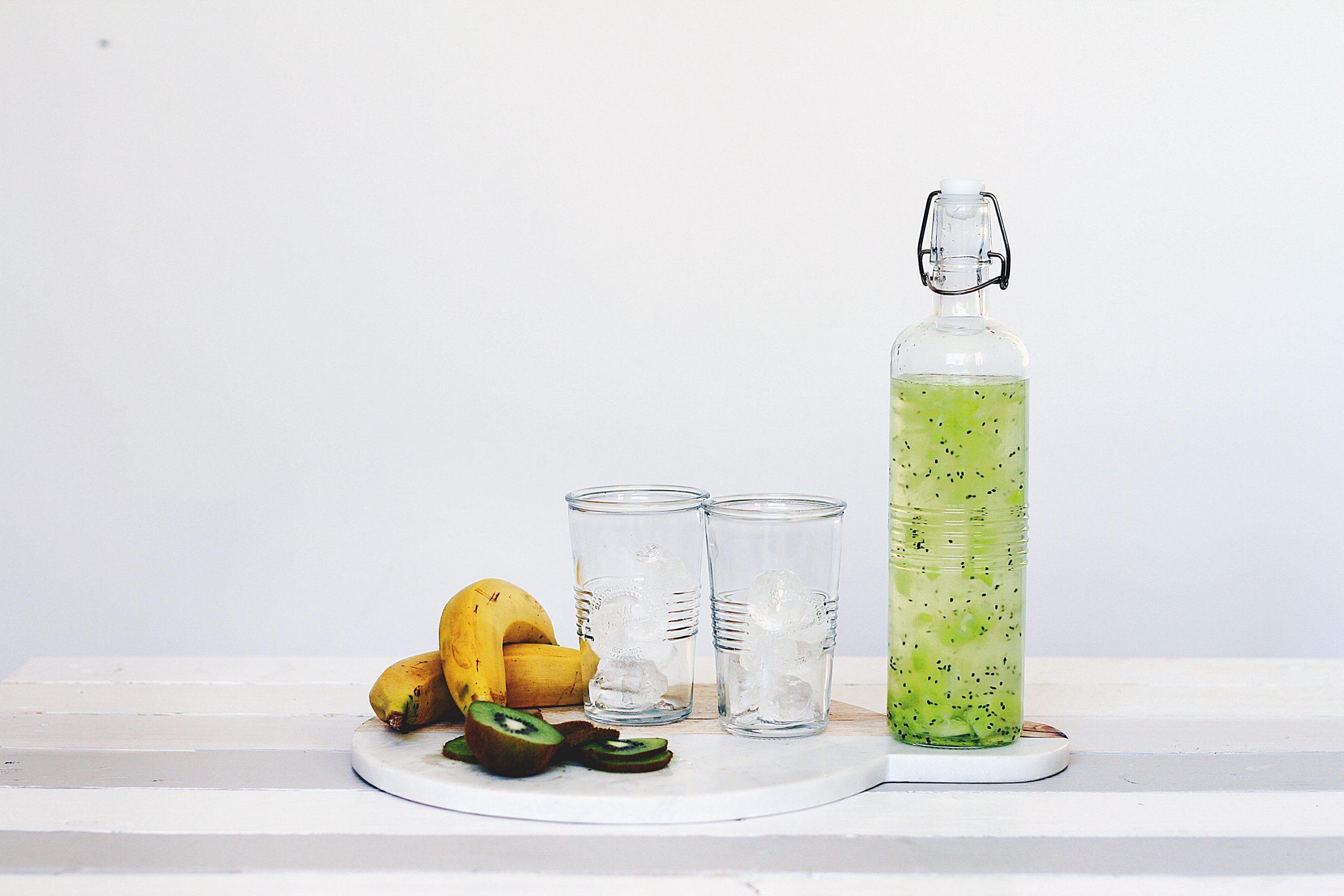 φρούτα και χυμός αποτοξίνωσης