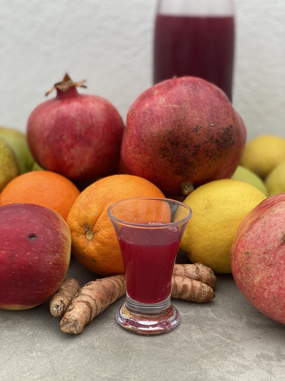 φρούτα και λικέρ τζίντζερ