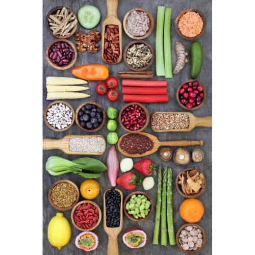 πιατέλα με φρούτα και λαχανικά σε τάξη