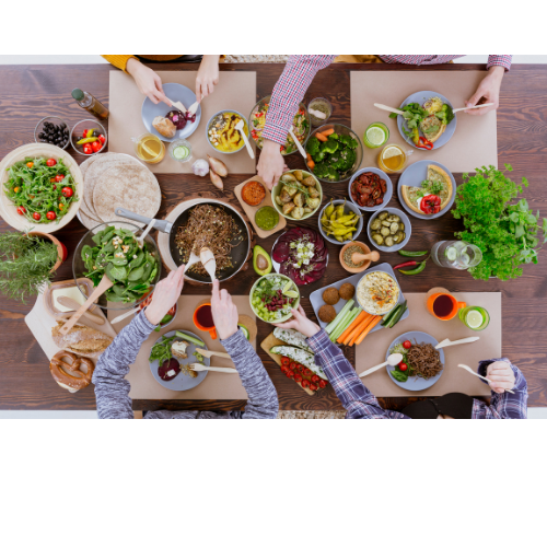 τραπέζι με χορτοφαγικό γεύμα