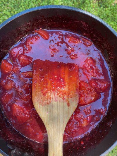 φρούτα σε κατσαρόλα