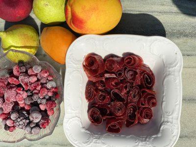 πέτσα φρούτων σε μπωλ με φρουτα
